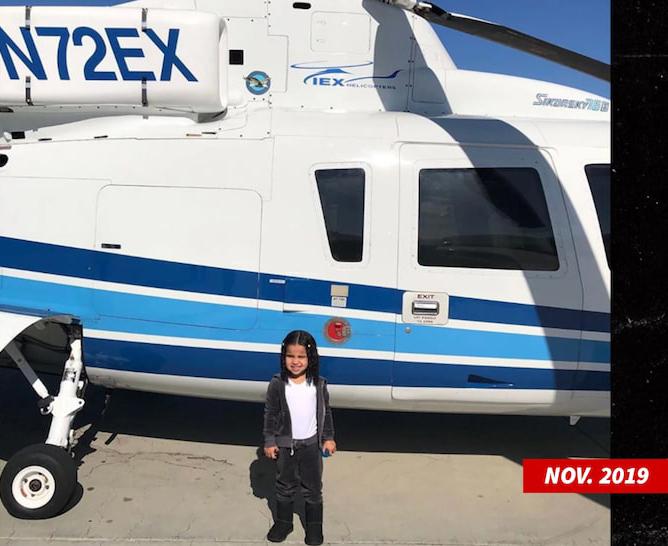 Bé Dream - con gái của Rob Kardashian và người mẫu Blac China - được cô ruột đưa đi chơi trên chiếc trực thăng của Kobe vào tháng 11.
