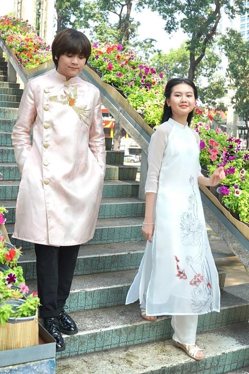 Giống nhiều bạn bè đồng trang lứa khác, Thiên Khôi rất thích được nhận lì xì. Song giọng ca tuổi teen đang lên kế hoạch tiết kiệm tiền lì xì và cát-xê trước Tết để mua cây đàn piano mới, phục vụ cho niềm đam mê âm nhạc.