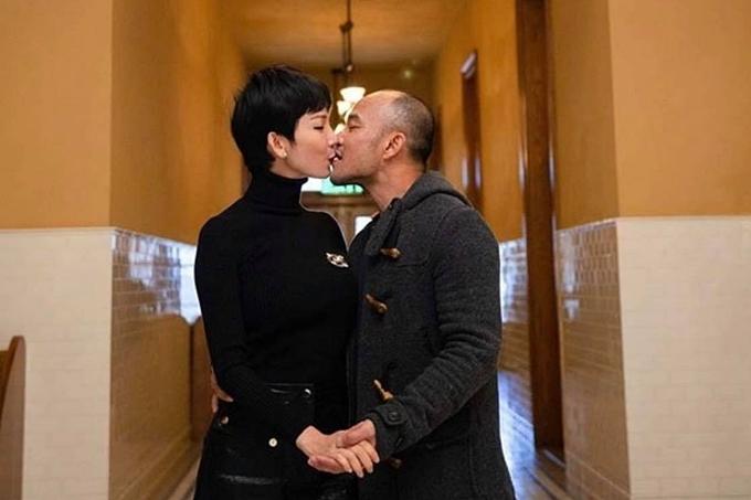 Xuân Lan bất ngờ kết hôn ở tuổi 42 vào chiều 1/1. Hôn lễ của họ diễn ra tại Đà Nẵng, với khoảng50 khách mờilà bạn bè thân thiết tham dự.