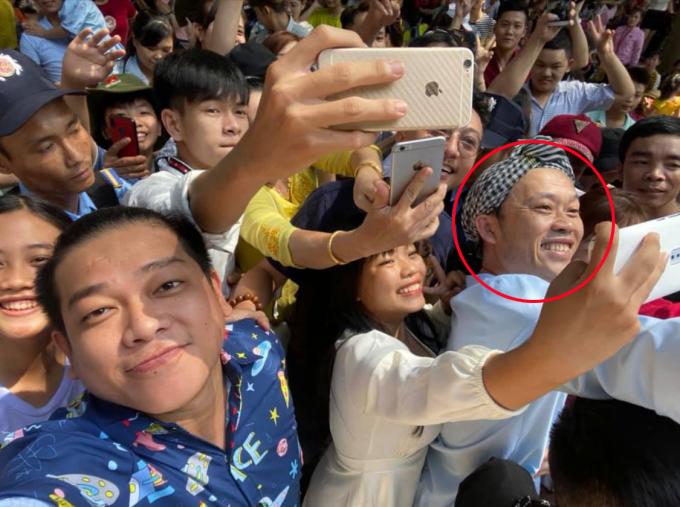 Sao Việt ăn Tết: người du xuân, người làm việc xuyên Tết - 1