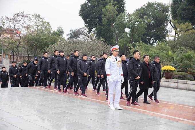 CLB Hà Nội vàoLăng Chủ tịch Hồ Chí Minh viếng Bác.