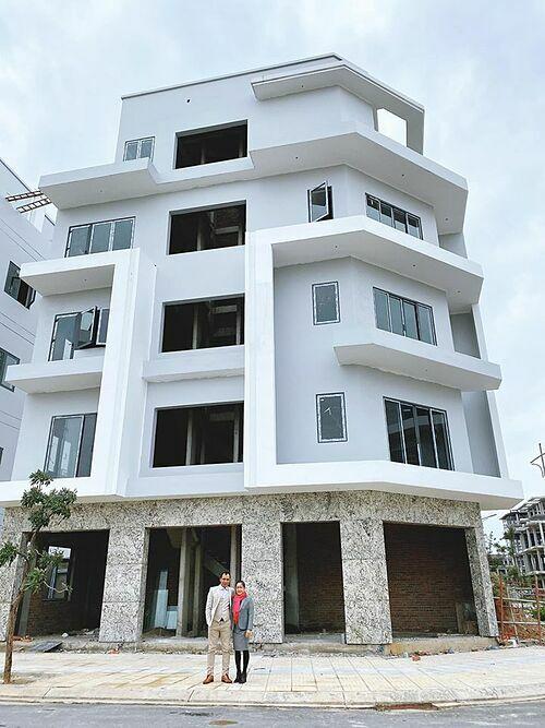 Ngôi nhà Hoà Minzy xây tặng bố mẹ.
