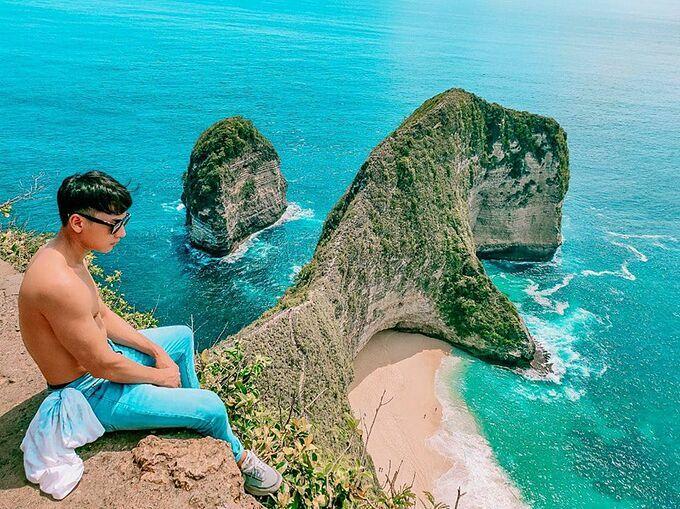 Isaac khoe body cơ bắp khi du lịch ở Indonesia và thả thính: Sức hút của một người đàn ông đôi khi chính là sự độc thân của họ.
