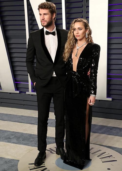 Liam và Miley chính thức ly hôn.