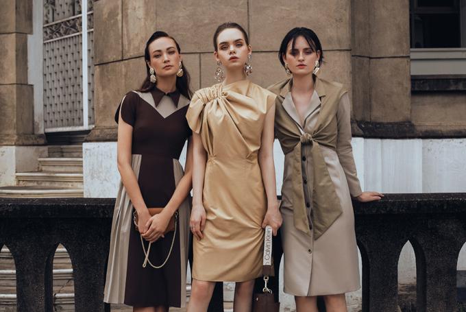Váy áo dành cho chị em công sở không còn đơn điệu bởi được dựng phom ấn tượng bởi kỹ thuật draping theo đúng khuynh hướng thời trang 2020.