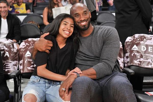 Kobe Bryant và con gái Gianna cùng tử nạn trong vụ máy bay trực thăng rơi hôm 26/1.