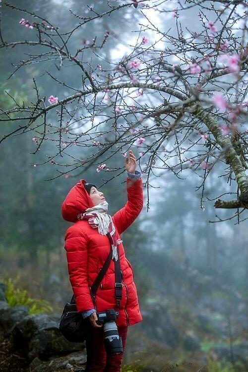Nghệ sĩ Chiều Xuân khám phá vẻ đẹp thiên nhiên tại Cao nguyên đá Đồng Văn - Hà Giang.