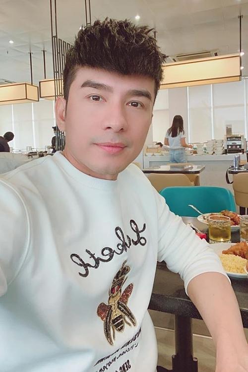 Đan Trường bị huỷ show, Trịnh Kim Chi đóng cửa sân khấu vì dịch