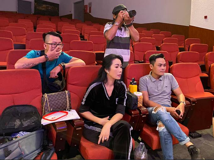 Đan Trường bị huỷ show, Trịnh Kim Chi đóng cửa sân khấu vì dịch - 1