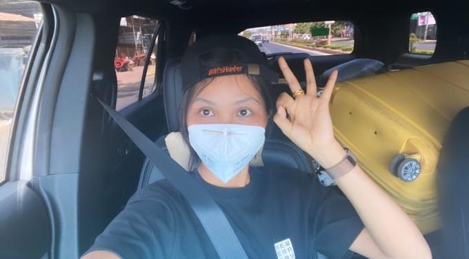 Hoa hậu Hoàn Vũ vừa kết thúc kỳ nghỉ Tết Nguyên đán ở quê nhà. Cô chọn đi ô tô thay vì