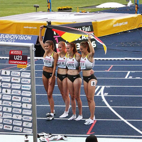 Alica Schmidt (bìa trái) cùng các đồng đội giành HC đồng 4x400m tại giải vô địch U23 châu Âu năm ngoái.