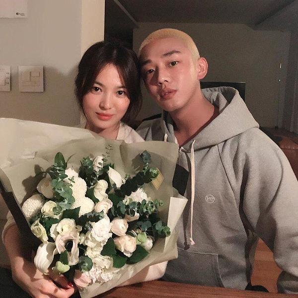 Song Hye Kyo, Yoo Ah In động viên người trong vùng dịch.
