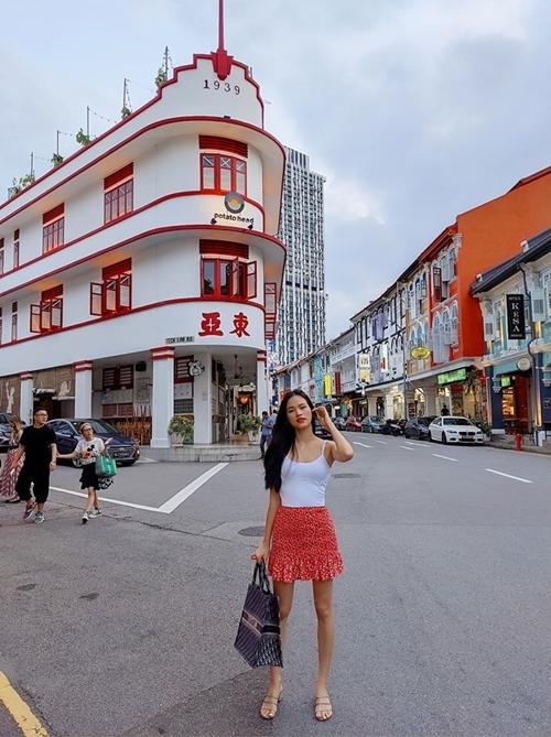 Cuộc sống tự do mang cho Tuyết Lan nhiều thời gian và cơ hội đi chơi, thăm thú những nơi cô yêu thích.