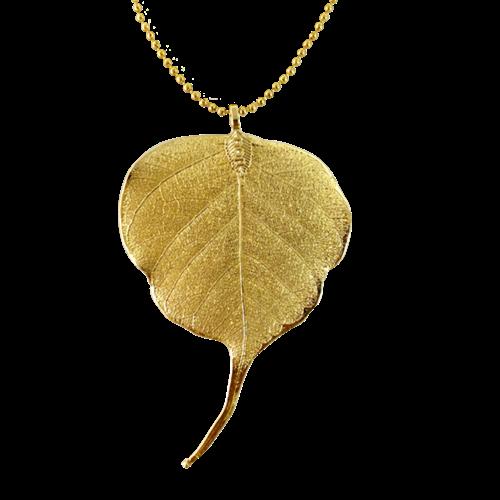 Lá bồ đề phủ vàng 24K mang ý nghĩa bình an, cầu phước lành. Lá bồ đề thật được xử lý thủ công rồi đem mạ vàng 24K nên hình dạng các lá sẽ khác nhau. Sản phẩm đang giảm 20%, còn 440.000 đồng (giá gốc 550.000 đồng)