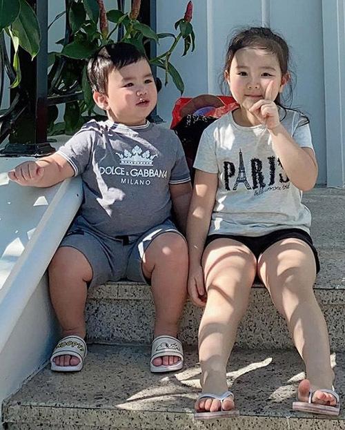 Con gái lớn của Trang Nhung tên Vani cũng khá tròn trịa. Hai con là niềm tự hào và động lực để Trang Nhung cố gắng phấn đấu chu toàn cả việc gia đình lẫn sự nghiệp riêng.