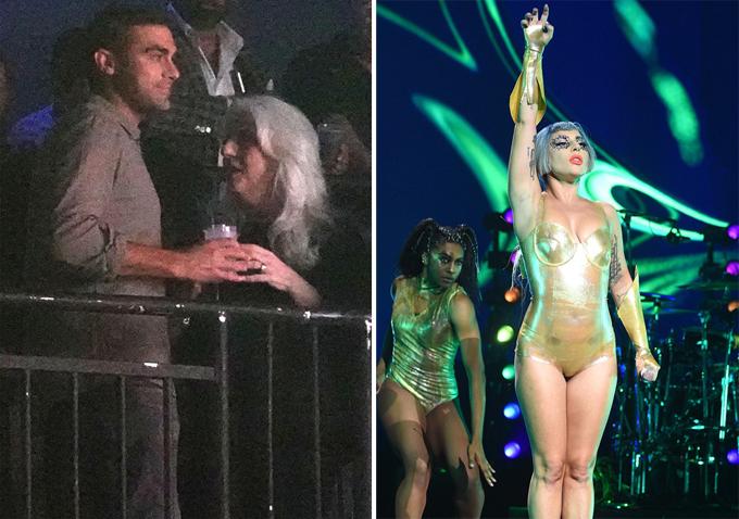 Michael và mẹ Lady Gaga xem nữ ca sĩ biểu diễn.