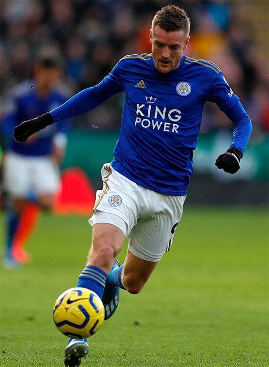 Jamie Vardy đang dẫn đầu danh sách ghi bàn ở Ngoại hạng Anhvới 17 lần lập công. Ảnh: The Sun.