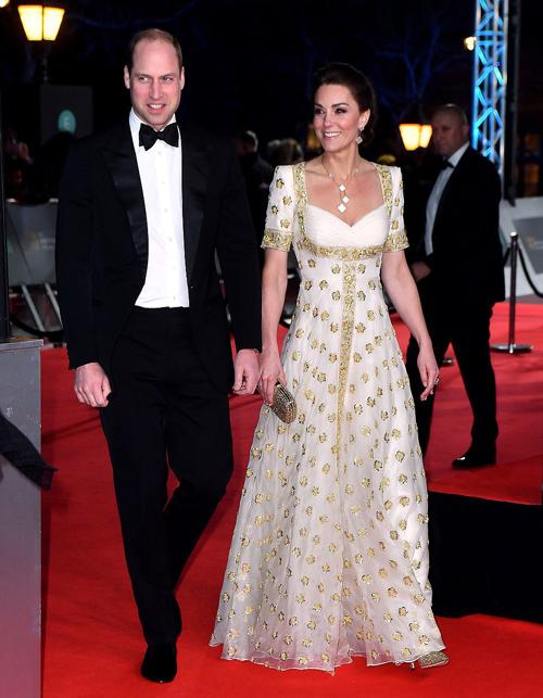 Vợ chồng Hoàng tử William và Kate Middleton đã có màn xuất hiện nổi bật trước hàng trăm ngôi sao điện ảnh hạng A tại lễ trao giải thường niên BAFTA năm nay.