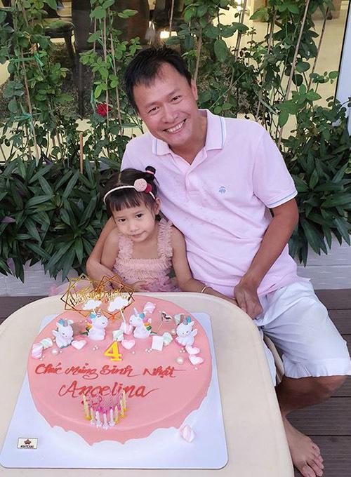 Doanh nhân Trần Thanh Hải rạng rỡ bên con gái cưng.