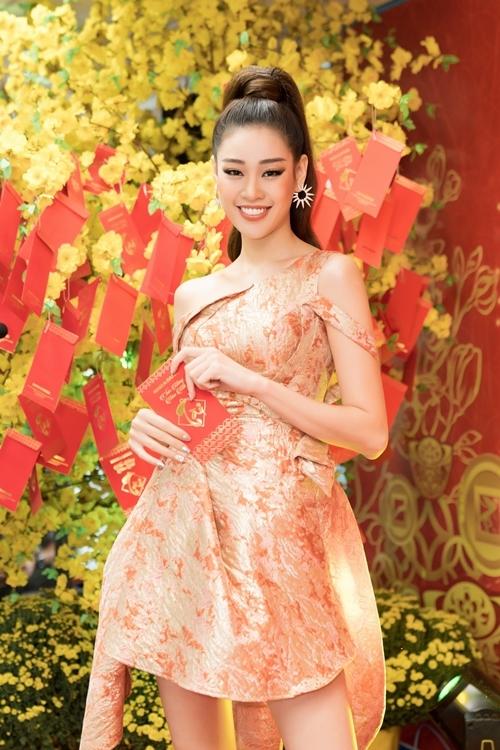 Khánh Vân: Tôi chưa tự thưởng món đồ nào từ khi thành hoa hậu