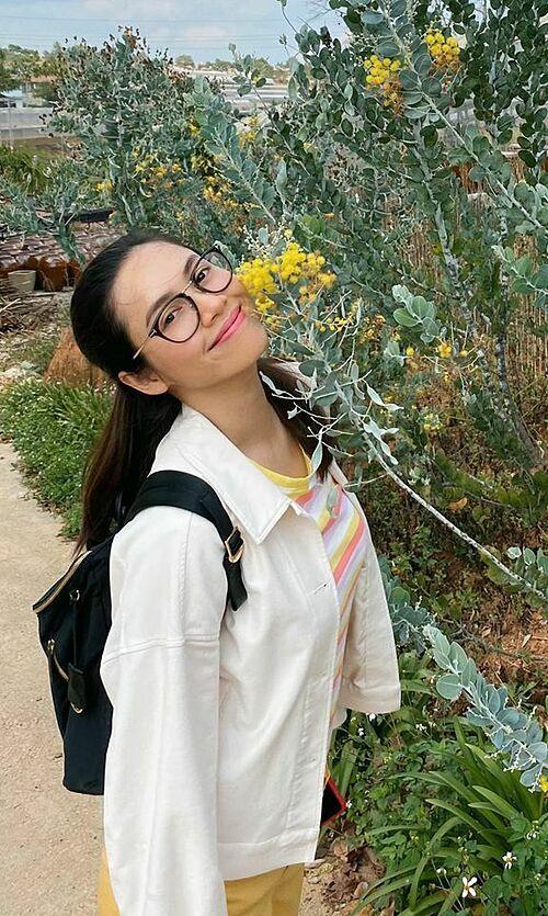 Á hậu Hoàng My tự tin khoe mặt mộc trong chuyến du lịch ở Đà Lạt.