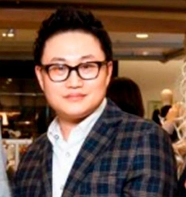 Doanh nhânLee Seung-chul - giám đốc của công ty Lotte Shopping tại Nga. Ảnh: Moda.ru.