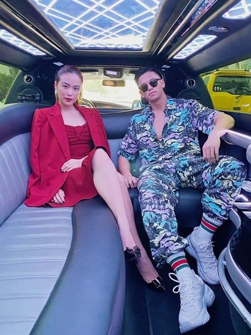 Hoàng Thùy Linh và Trọng Hiếu là hai nghệ sĩ Việt Nam tham dự văn hóa đẳng cấp toàn cầu đang diễn ra tại Miami, Mỹ.