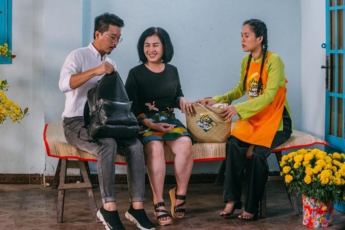 Lâm Vỹ Dạ cũng bày tỏ mình may mắn vì được có một người mẹ chồng yêu thươngtâm lý, thông cảm và ủng hộ khi con dâu có thể quay lại hoạt động nghệ thuật sau thời gian sinh nở