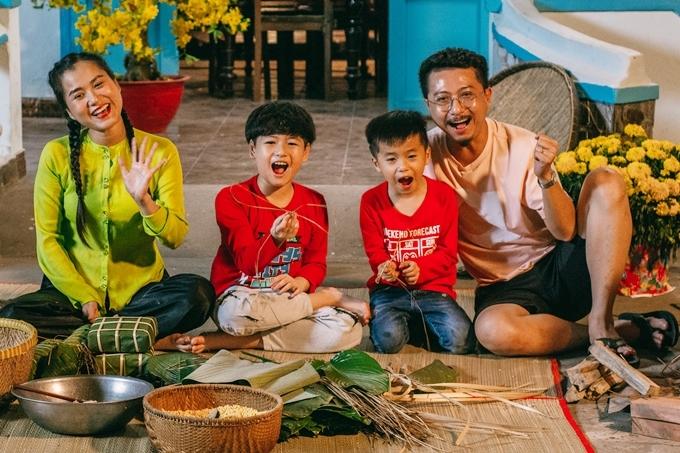 Thời gian tới, Hứa Minh Đạt - Lâm Vỹ Dạ dự án riêng mang tên Người vẽ ước mơ. kết hợp đạo diễn Võ Thanh Hoà (phải) thực hiện.