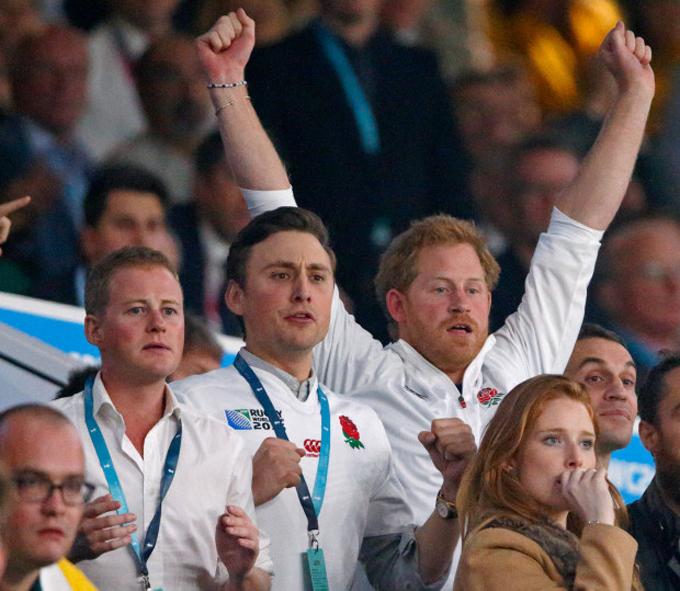 Harry và Guy Pelly, Charlie van Straubenze đi xem giải Vô địch Bóng bầu dục thế giới năm 2016. Ảnh: UK Press.