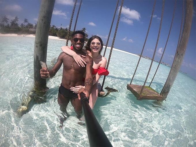 Cầu thủ Fred của MU đưa bà xã Monique tới Maldives tận hưởng kỳ trăng mật thứ hai.