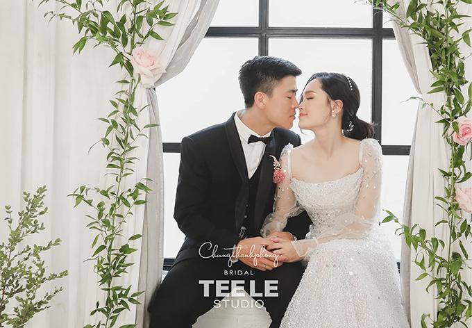Một bức ảnh cưới chụp trong studio của Duy Mạnh - Quỳnh Anh. Ảnh: TEE LE Studio.