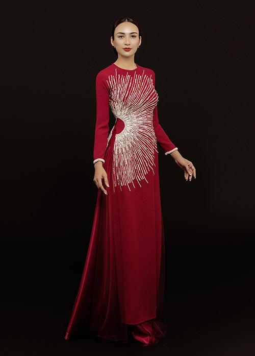 Hoa hậu Du lịch 2008 đằm thắm với trang phục phù hợp chocác bà mẹ mặc trong ngày trọng đại của con.
