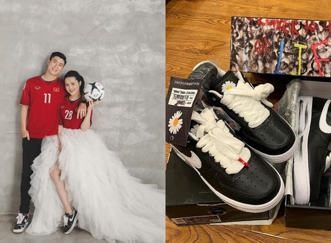 Duy Mạnh và Quỳnh Anhcùng diện áo đấu, đi giày đôi trong bộ ảnh cưới được tiết lộ tối 3/2.