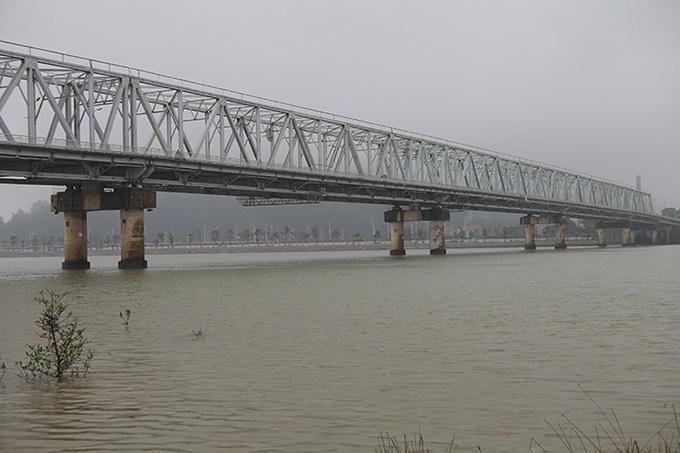 Sông Lam, nơi phát hiện thi thể nạn nhân. Ảnh: Hải Bình
