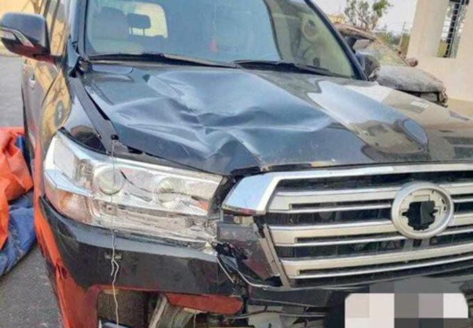 Ôtô gây tai nạn. Ảnh: H.L