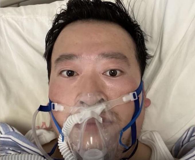 Bác sĩ Li Wenliang trên giường bệnh. Ảnh: CNN.