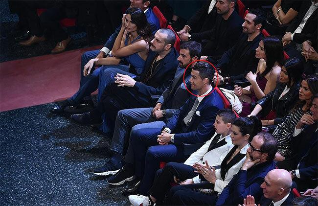 C. Ronaldo cũng tới dự sự kiện, cổ vũ bạn gái.