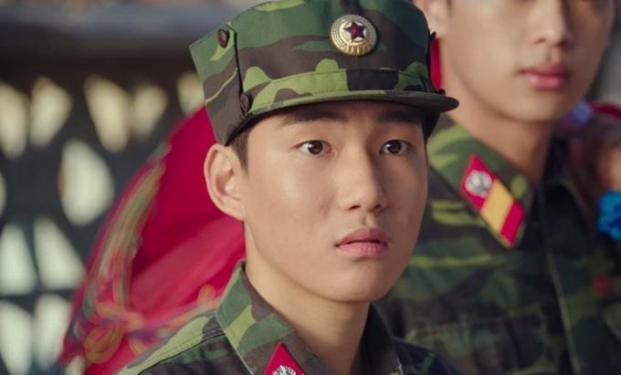 Sinh năm 2003, Tang Joon Sang là diễn viên trẻ nhất trong dàn diễn viên chủ đạo của phim. Tuy nhiên, chàng trai này sở hữu kinh nghiệm diễn xuất đa dạng vì gắn bó với sân khấu kịch từ năm 7 tuổi.