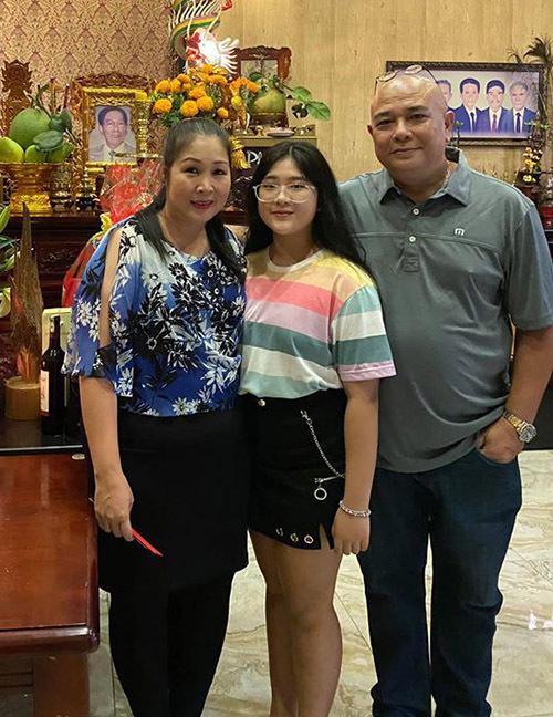 Con gái của Hồng Vân - Lê Tuấn Anh càng lớn càng xinh xắn và có nhiều nét giống mẹ.