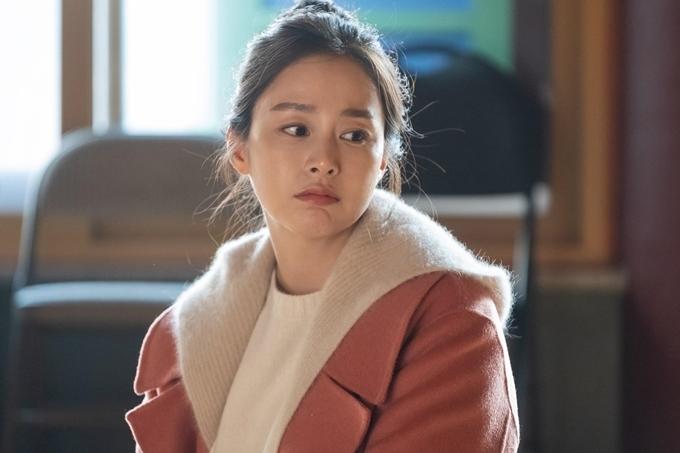 Bà xã của ca sĩ Bi Rain tâm sự, cô tìm thấy sự đồng cảm với nhân vật Yu Ri: Tôi nhận vai này khi đã làm mẹ nên cố gắng mang cảm xúc ngoài đời thực để thể hiện cô ấy. Yu Ri có nhiều điểm giống tôi một cách tự nhiên. Tôi liên hệ nhiều tình huống của phim với chính mình.