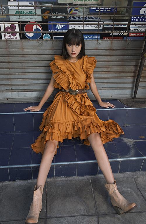 Bộ ảnh được thực hiện với sự hỗ trợ của nhiếp ảnh và stylist Hà Kino.