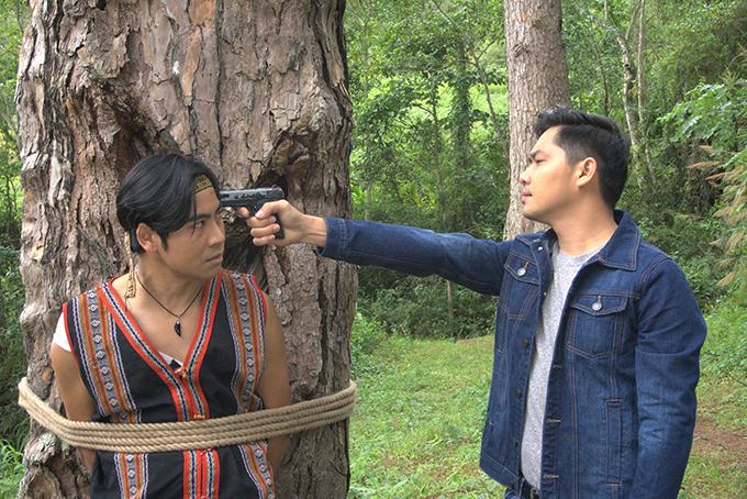Minh Luân đảm nhận vai phản diện, đối đầu với Thanh Bình.
