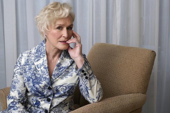 Minh tinh Glenn Close thậm chí còn đen Amy Adams. Bà đã trượt Oscar 7 lần trong sự nghiệp 40 năm diễn xuất. Những bộ phim từng giúp nữ diễn viên 72 tuổi nhận đề cử gồm: The World According to Garp (1983), The Big Chill (1984), The Natural (1985), Fatal Attraction (1988), Dangerous Liaisons (1989), Albert Nobbs (2012) và The Wife (2019).