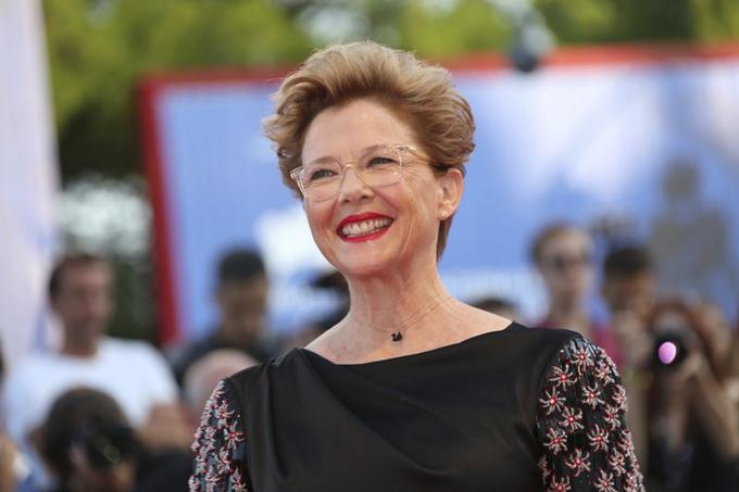 Annette Bening bốn lần được đề cử cho vai diễn trong các phim The Grifters (1991), American Beauty (2000), Being Julia (2005) và The Kids Are All Right (2011). Nữ diễn viên 61 tuổi đã thắng hai giải Quả cầu vàng với hai trong số bốn phim trên nhưng vẫn chưa một lần được xướng tên ở Oscar.