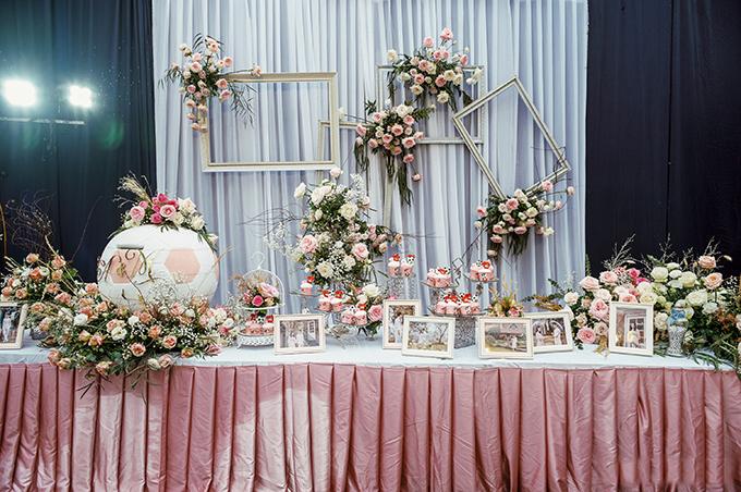 Duy Mạnh - Quỳnh Anh chọn màu trắng, hồng làm sắc màu chủ đạo cho nhà rạp. Đây là 2 gam màu yêu thích của cô dâu.