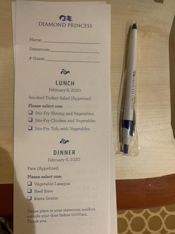 Phiếu đăng ký bữa trưa và tối trên du thuyền.