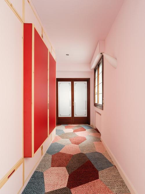 Nhóm kiến trúc sư thử nghiệm với màu sắc trong căn hộ, mong muốn mang đến sự hiện đại, tạo một nhịp điệu ngẫu hứng, trải nghiệm thư thái, tinh thần lạc quan cho gia chủ mỗi khi trở về nhà.