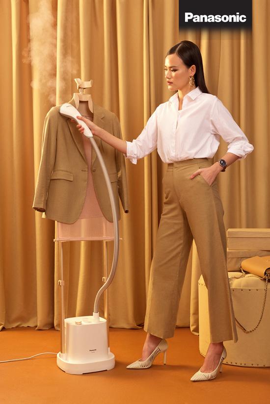 Việc chăm sóc quần áo trở nên dễ dàng hơn với bàn là hơi nước.