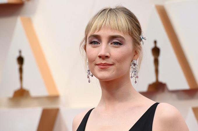 Saoirse Ronan - ngôi sao được đề Nữ diễn viên chính xuất sắc phim Little Women.